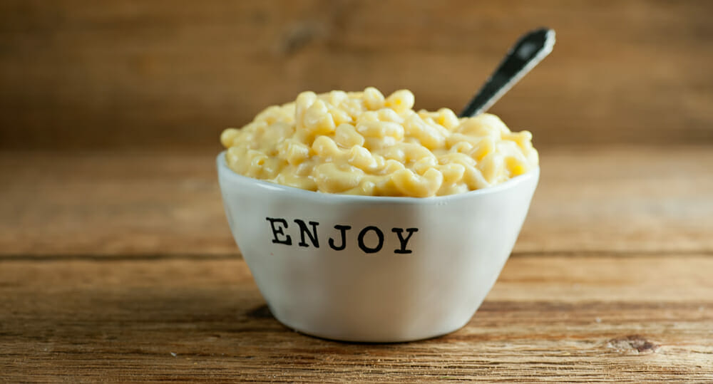 Easy Creamy Stovetop Macaroni and Cheese
