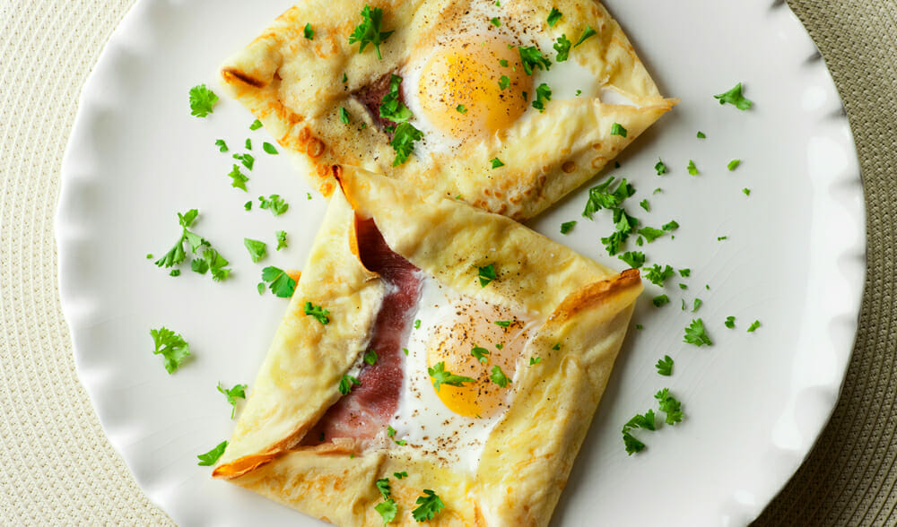 easy ham and egg crepe squares