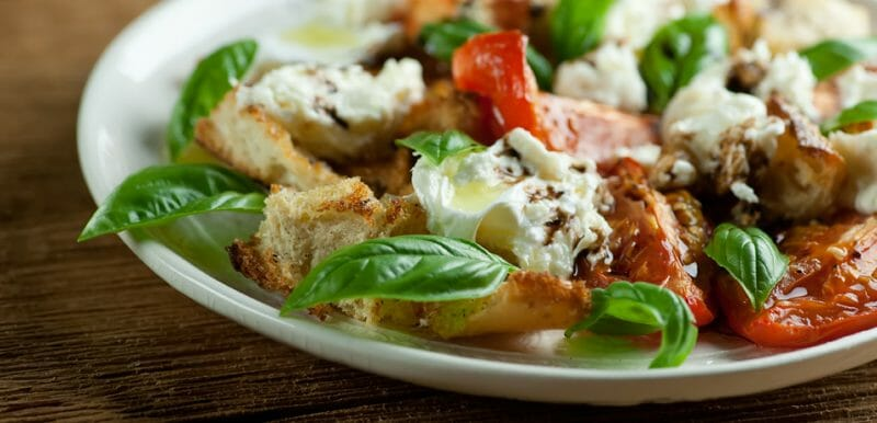 how to make roasted caprese salad