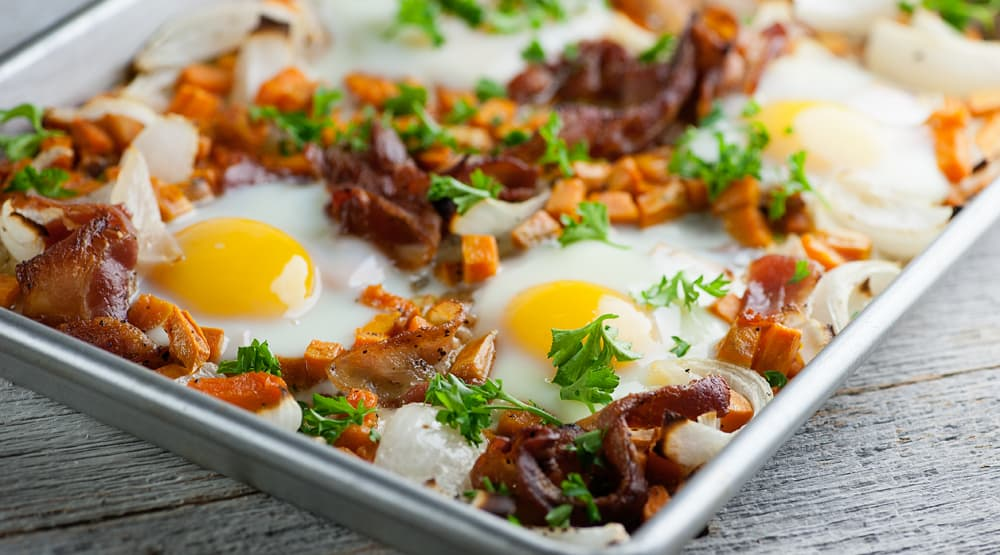 sheet pan bacon and eggs
