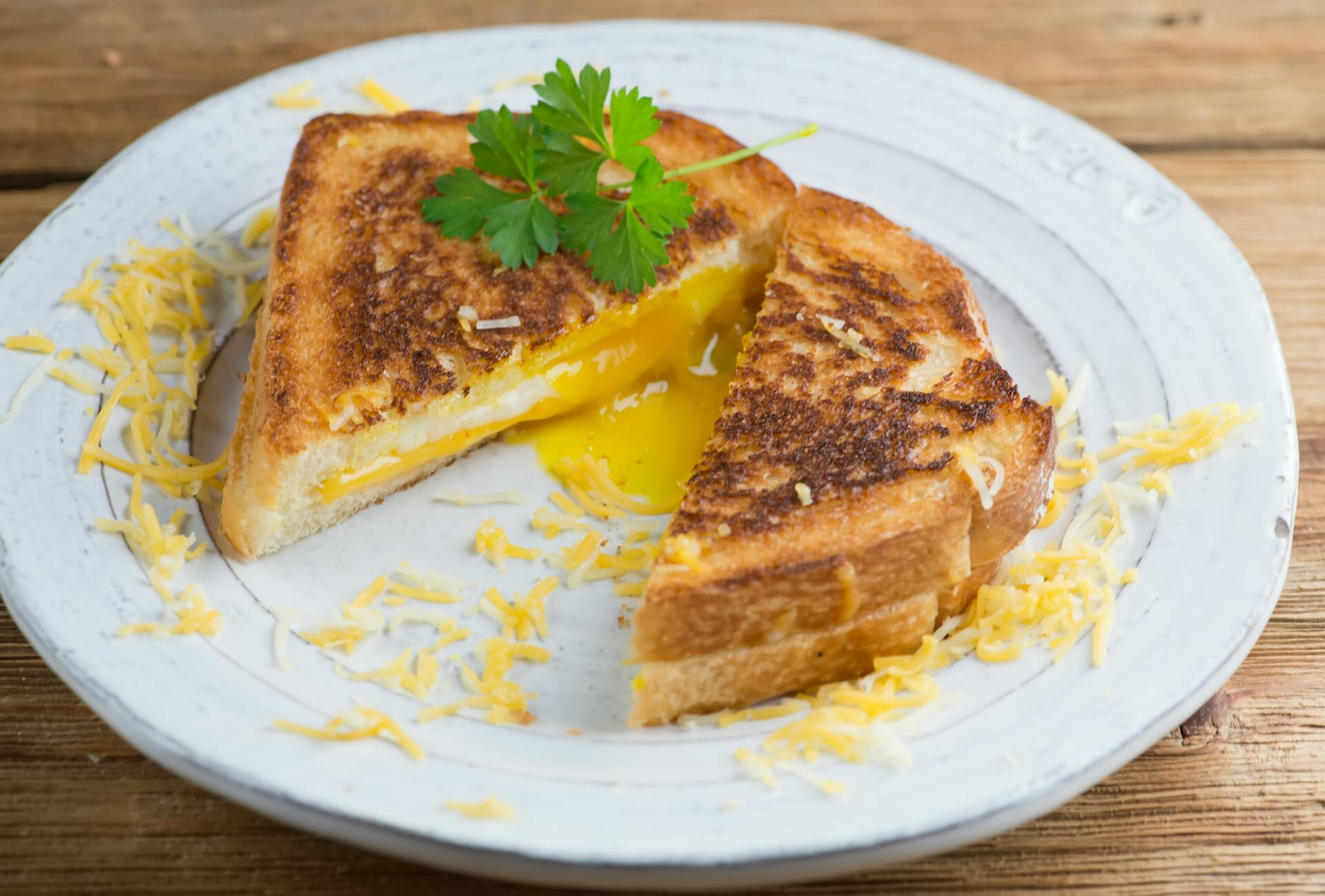 creamy grilled egg and cheese breakfast sandwiches