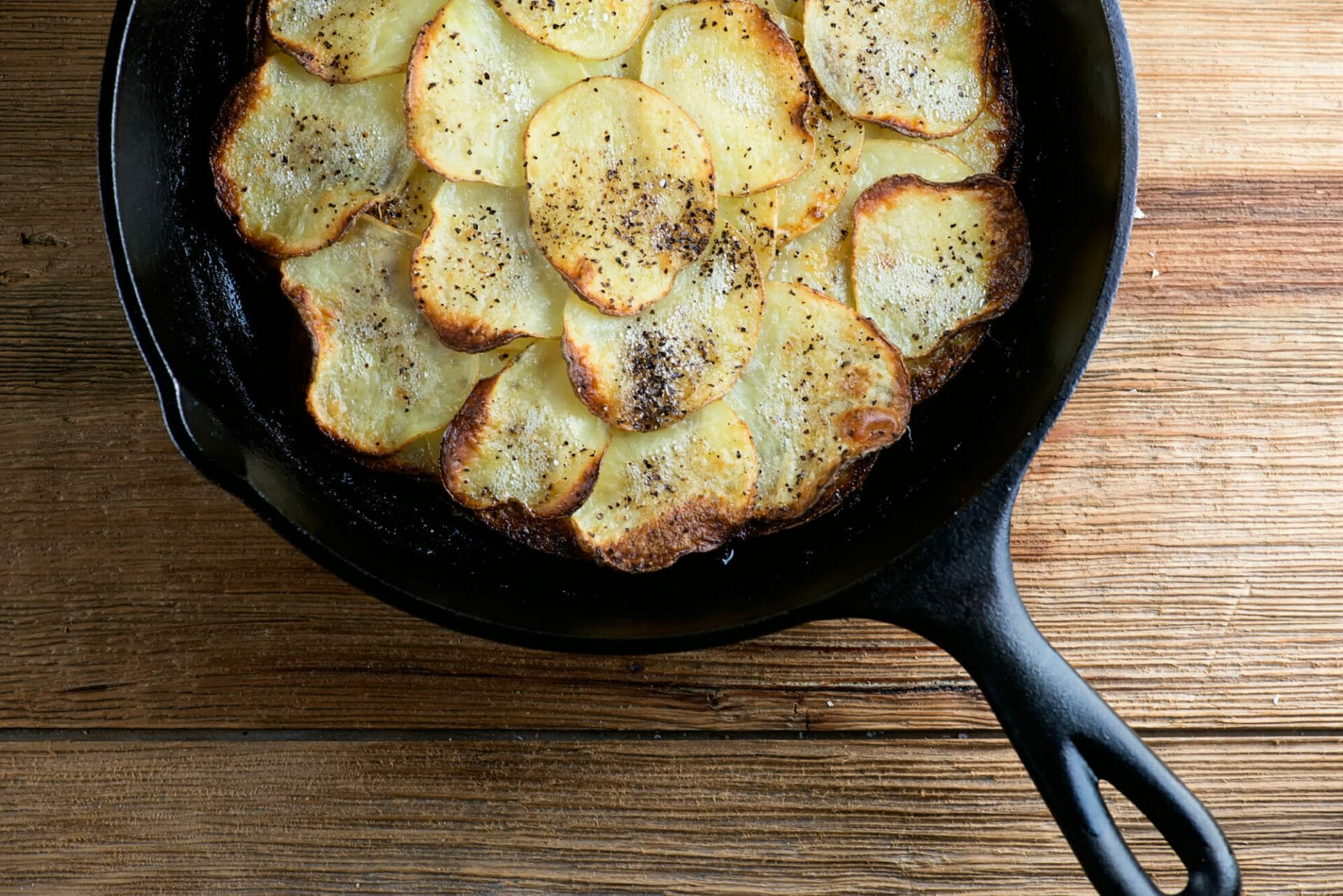 potatoes anna in pan