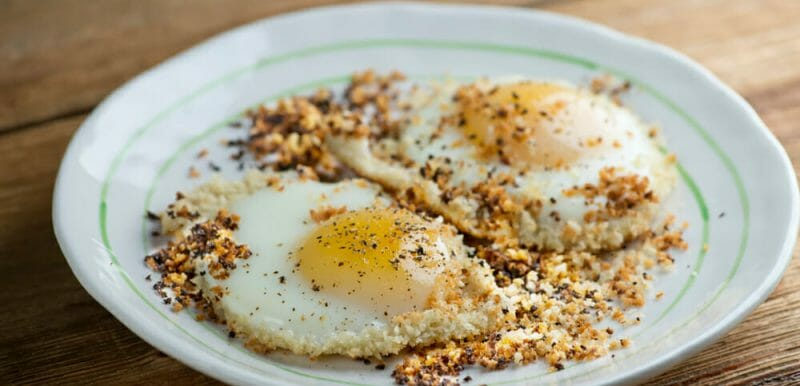 easy crispy breadcrumb eggs