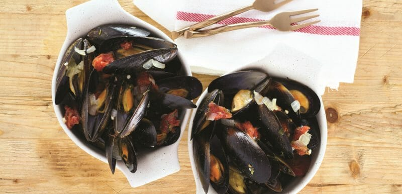 Easy Instant Pot Mussels with Tomatoes and Herbs